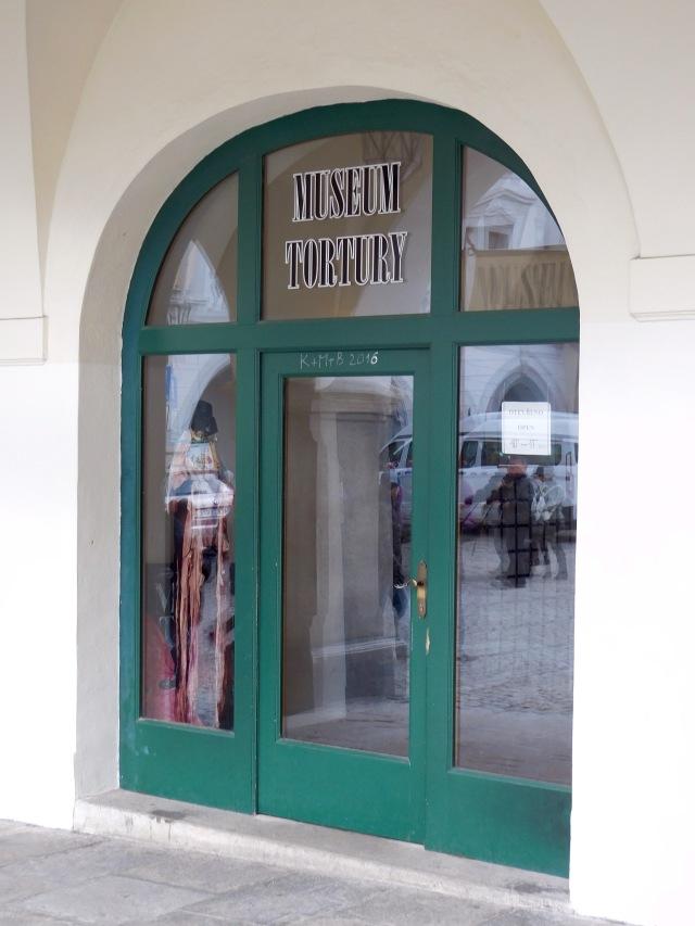 CK Torture door