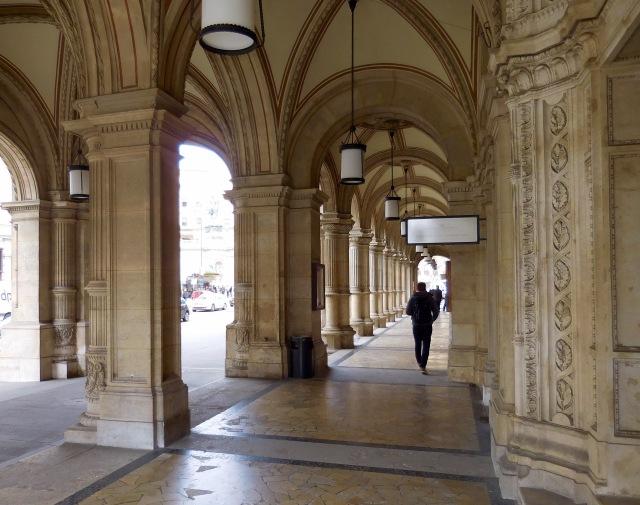 Vienna opera columns